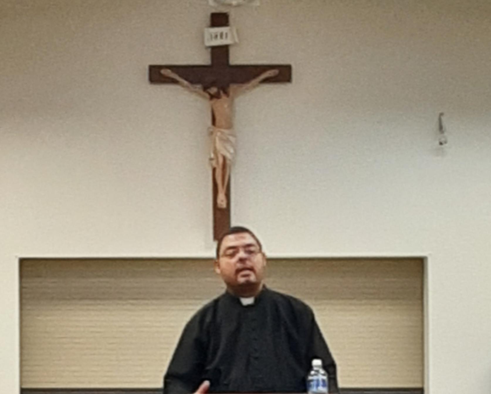 Fr. Daniel Roa Retreat Photo